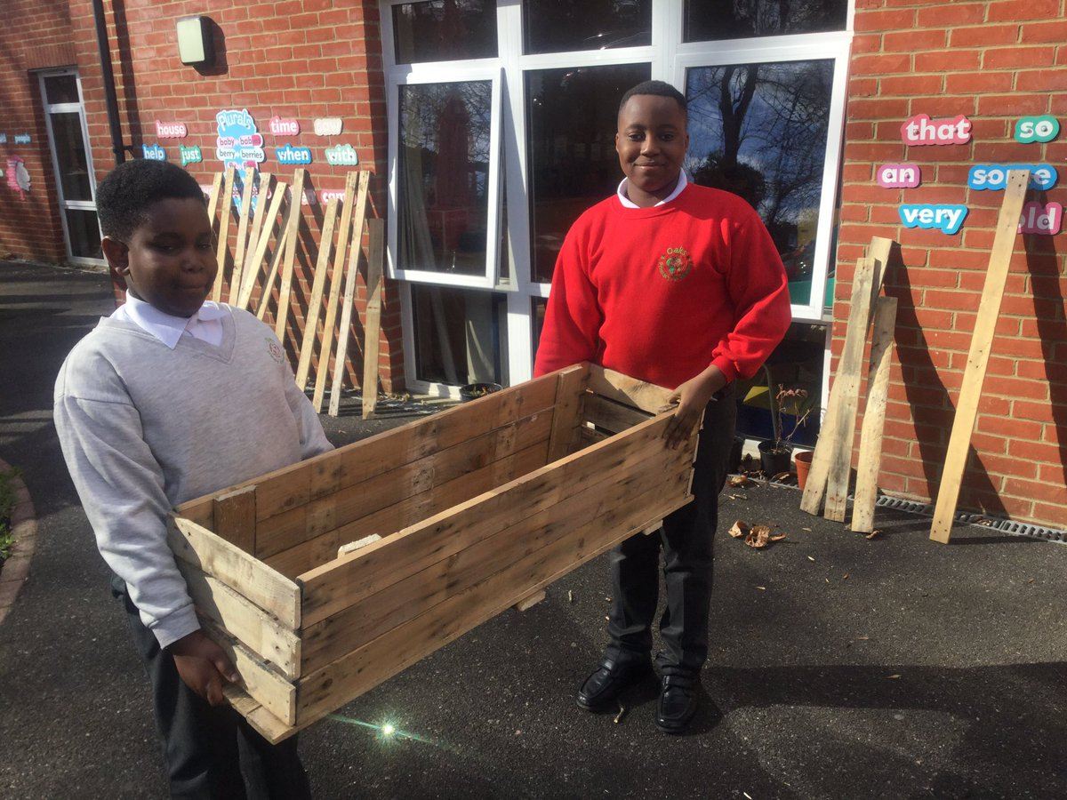School makes garden boxes out of pallets